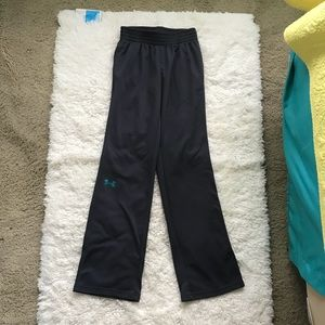 Under Armour semi fitted pants size XS